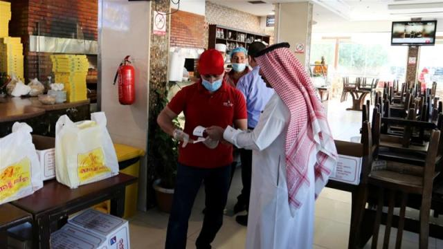 Saudi Arabia has closed mosques, schools, malls and restaurants to slow the spread of the virus [Fie: Ahmed Yosri/Reuters]