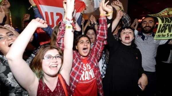Swedish left-wing bloc wins election | News | Al Jazeera
