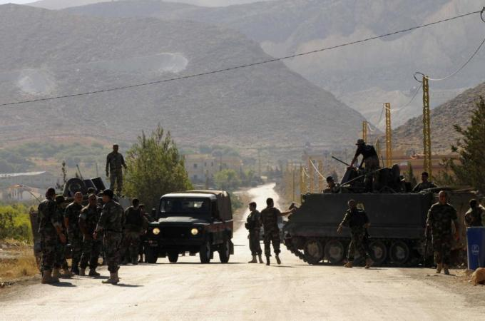 Lebanese Armed Forces on the way to Arsal. Image by Reuters.