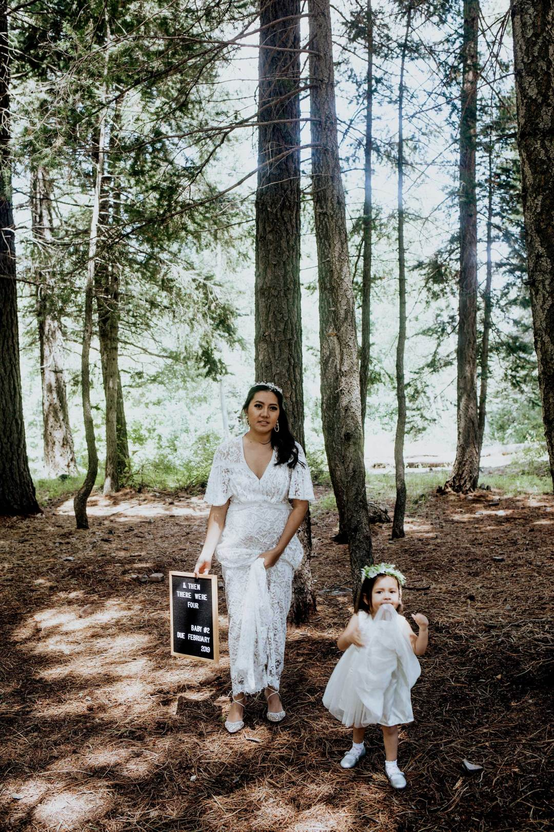 Pregnancy Announcement Baby Number 2_TheVibesCloset_Molly Larsen_Style Blogger_mom Blogger_Beauty Blogger_family picture_5