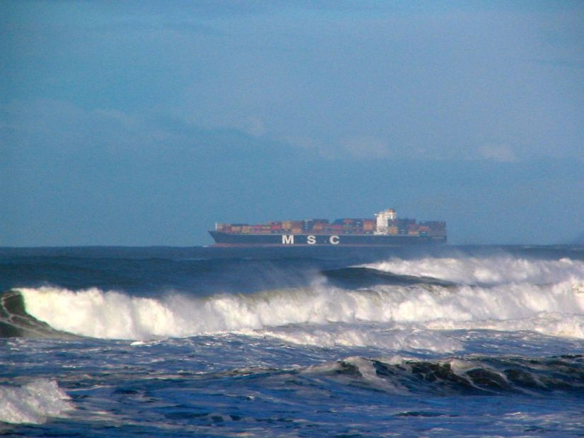 Container Ship Wave