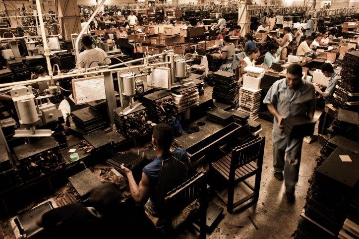 Handmade cigar production