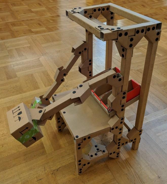 ASSTEC Cardboard Robot