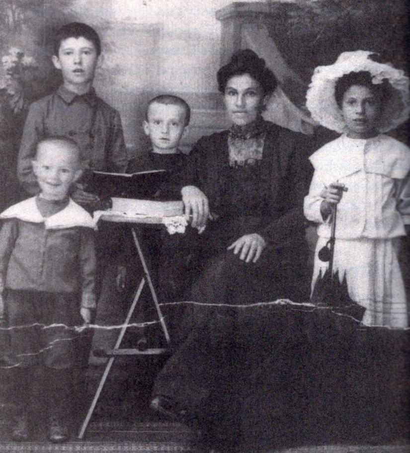 Juran Family 1910