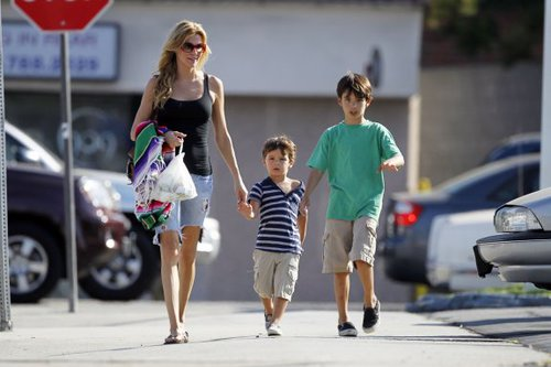 brandi-glanville-talks-post-divorce-dating-doting-on-her-sons-500x333