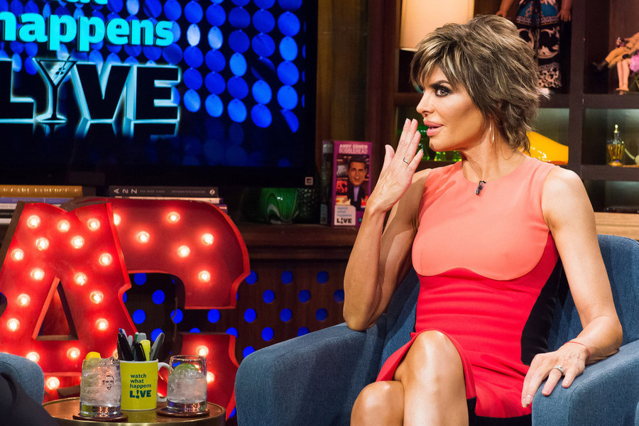 Lisa Rinna Strips Down to Her Birthday Suit for Naked Selfie