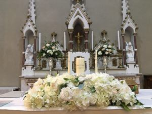Ceremony Decor at Crooke Church Waterford