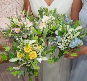 All About Weddings All Day Decor and Bouquet Package