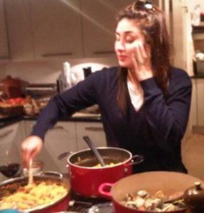 Kareena Kapoor cooking/twitter