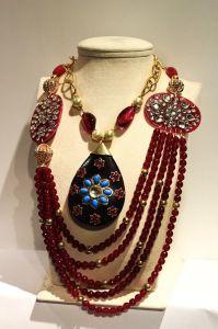 Amazing neckpieces