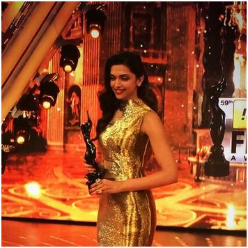 Deepika wins best actress/twitter