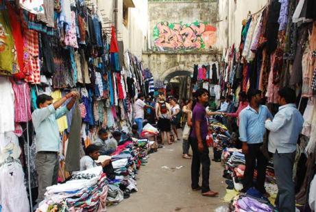 Sarojni Nagar Market/Image courtesy: MapsofIndia