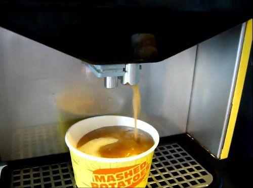 Mash potato and gravy dispensing machine in SIngapore