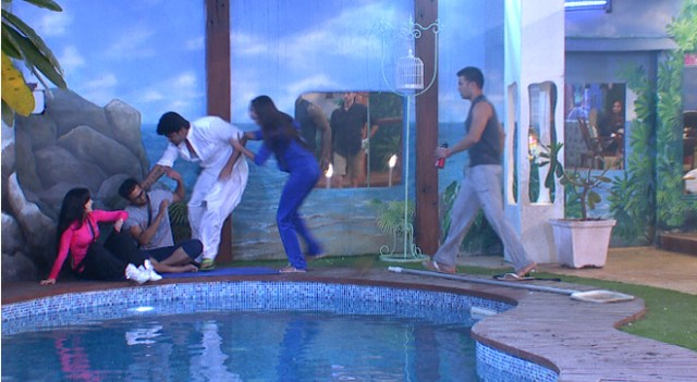 Kushal hits Andy