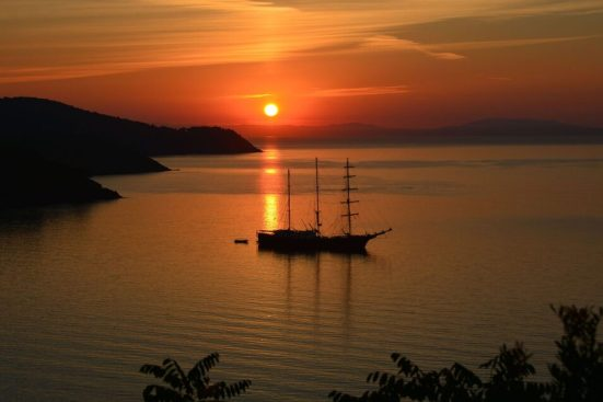 sunset-1076414_1280