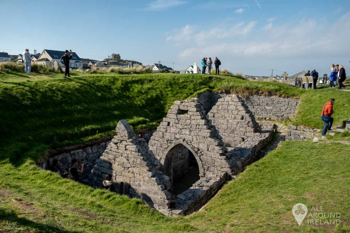 Teampall Chaomháin (St Kevin's Church) - half buried in the graveyard on Inis Oirr