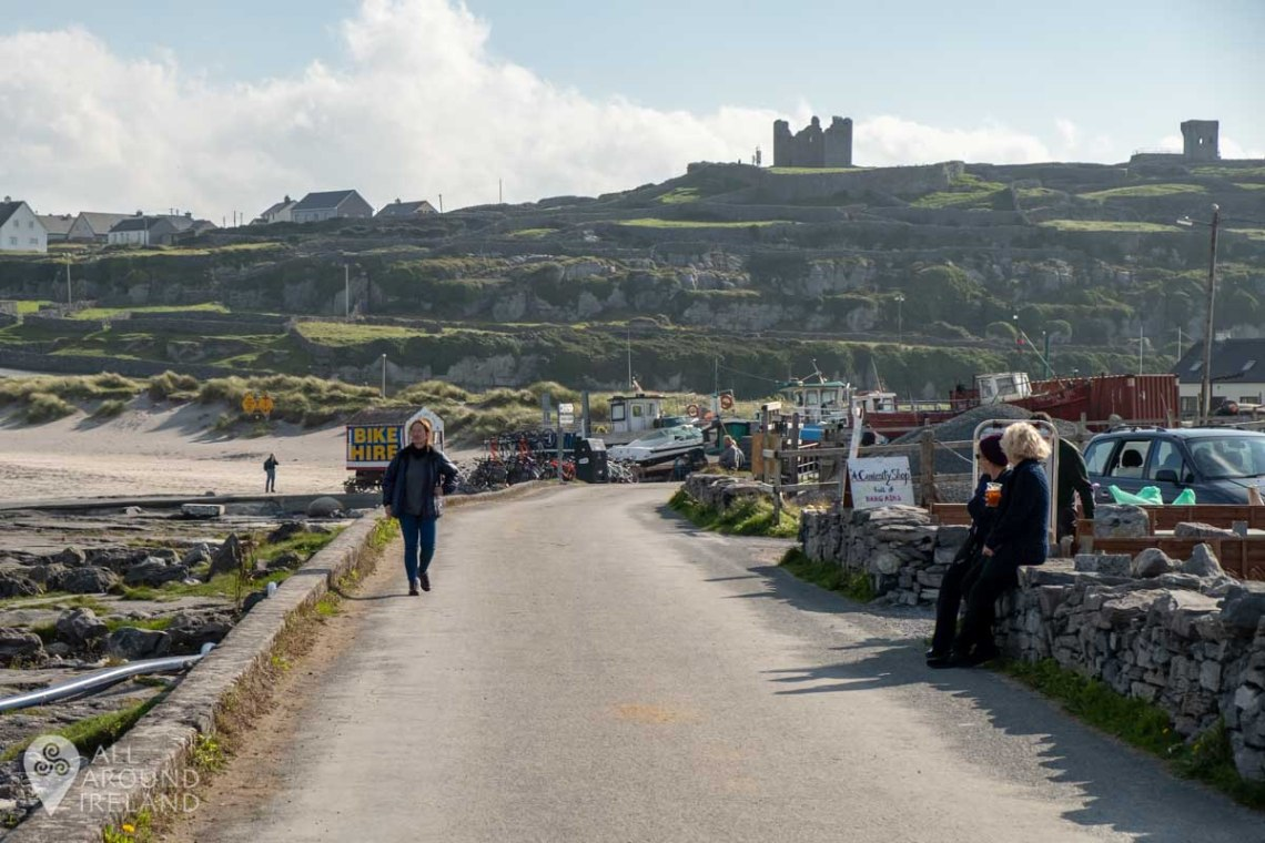 O'Brien's Castle sits atop the stone fort on Inis Oirr