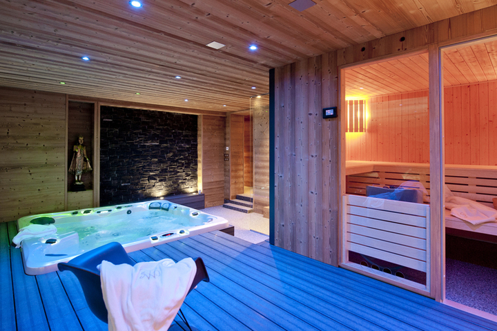 Ski Chalet in La Plagne  5 bedrooms  Jacuzzi   Hot Tub  Sauna  Log     Next