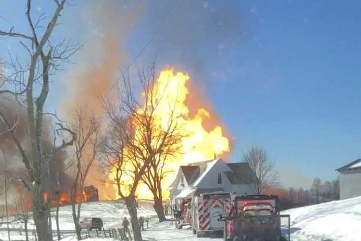 Ohio Pipeline Explosion Injures Two, Damages Three Homes - The