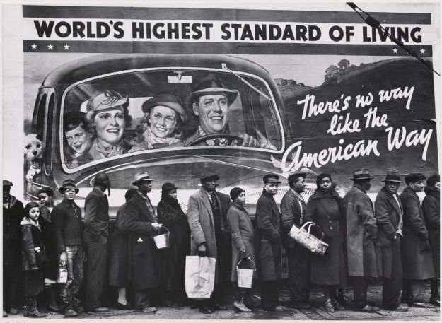 Margaret Bourke-White photographed flood victims in Louisville, Kentucky, awaiting relief supplies, an iconic image of the 1937 Ohio River flood. Photo: Estate of Margaret Bourke-White/Wikimedia Commons