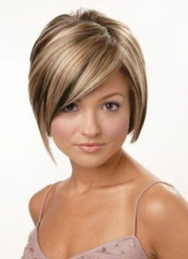 kurze haare kurzhaarfrisuren frisuren damen Tan Skin Platinum Blonde Hair