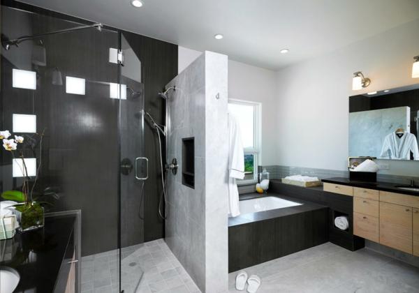 Modernes Badezimmer Bietet Mehr Komfort An