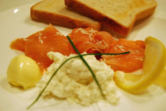 Lachs mit Sahnekren ist perfket für Feiern und schnelle Essen.