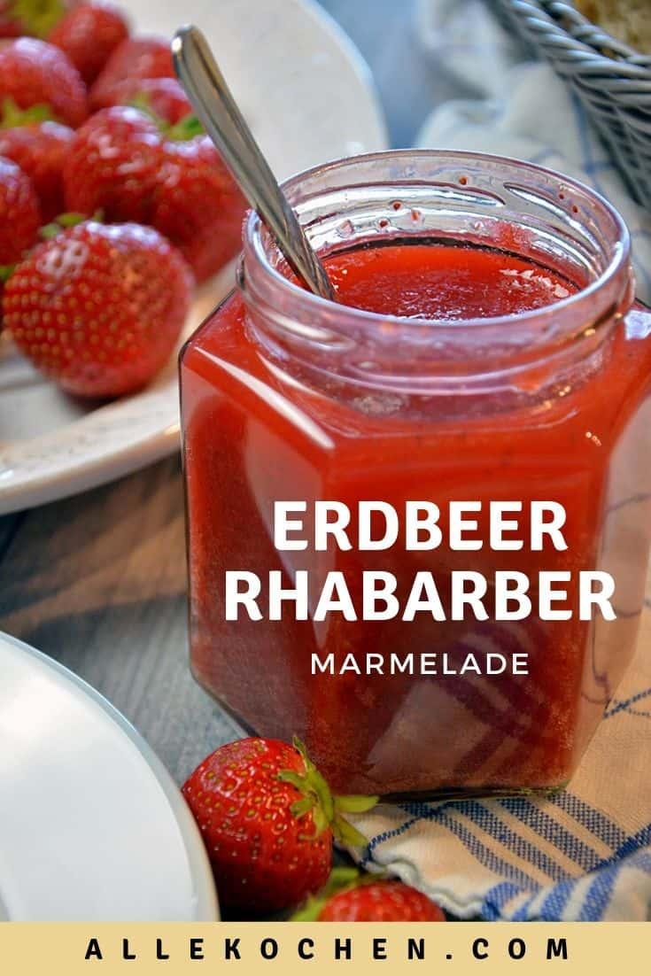 Rezept für die wohl beste Erdbeer-Rhabarber-Marmelade mit Vanille ist einfach und schnell zu kochen und schmeckt wunderbar fruchtig. Sie hat nur wenig Zucker aber viel Geschmack.
