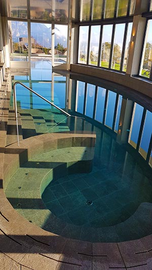 Perfekter Pool für Wellness in Südtirol