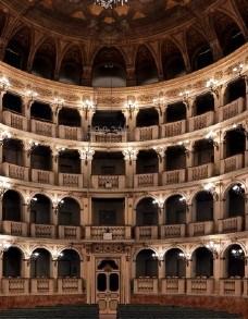 Sinfonie, Preludi d'opera