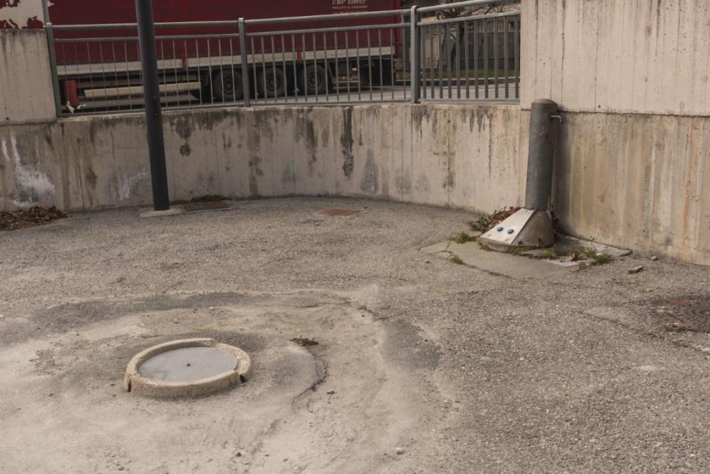 Area Verres: camper service molto sporco