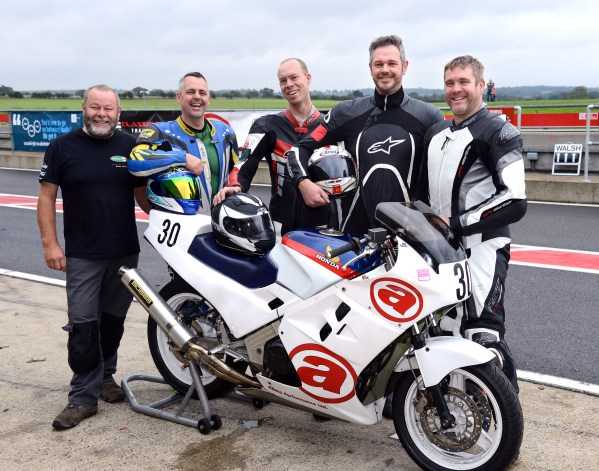 Allens Performance Classic Endurance Honda VFR750 RC24 Team