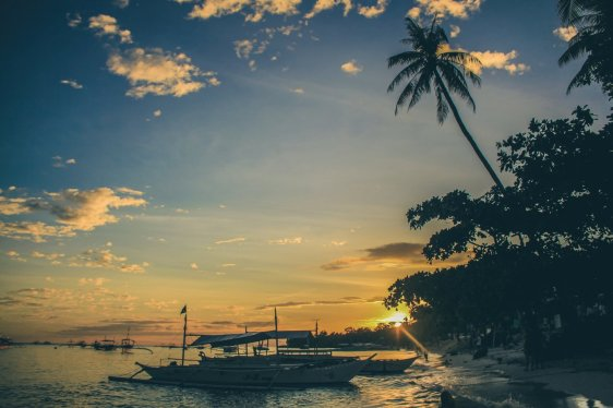 Sonnenuntergang am Alona Beach