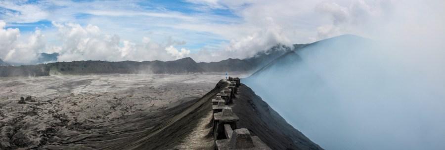 Auf dem Krater vom Mount Bromo