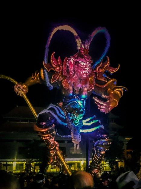 Ogoh Ogoh auf der Ngrupuk-Parade in Ubud