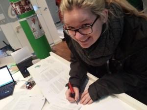 Jasmin Becker unterschreibt FSJ-Vertrag 2015