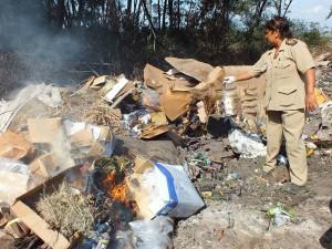 De vervallen goederen worden verbrand