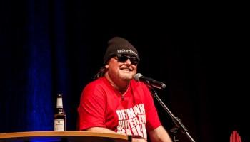 Ein Mann Ein Hocker Markus Krebs Live In Kinderhaus Alles Münster