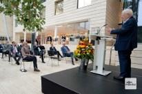 Friedhelm Ost während seiner Gastrede im Foyer der Bezirksregierung (Foto: Bührke)