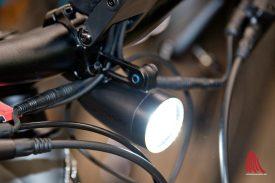 Das Dauerlicht ist Pflicht beim S-Pedelec. (Foto: Michael Bührke)