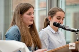 Eine deutscheund eine niederländische Schülerin berichten vom Erasmus-Austausch zum Holocaust-Gedenken