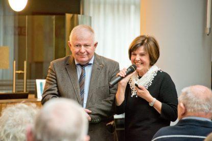 Prof. Dr. Claus Spieker und Dr. Alma Mahic-Zikic (Leitende Ärztin Kardiologie im ZaR) standen für die Fragen der zahlreichen Besucher zur Verfügung. (Foto: Bührke / Raphaelsklinik)