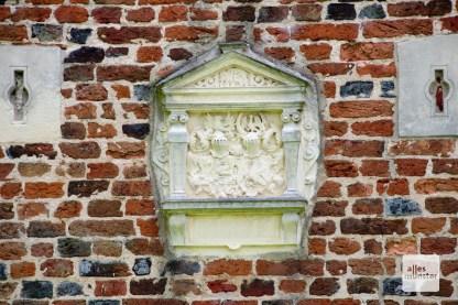Detail an der Fassade von Haus Langen.