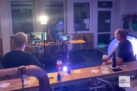 Die Bierfans konnten den Brauern Fragen stellen oder ihre Biere vorstellen (Foto: Andrea Hansen)
