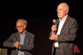 Prof. Klaus Selle (r.) und Prof. Kunibert Wachten während ihre Einführungsvortrags. (Foto: Michael Bührke)