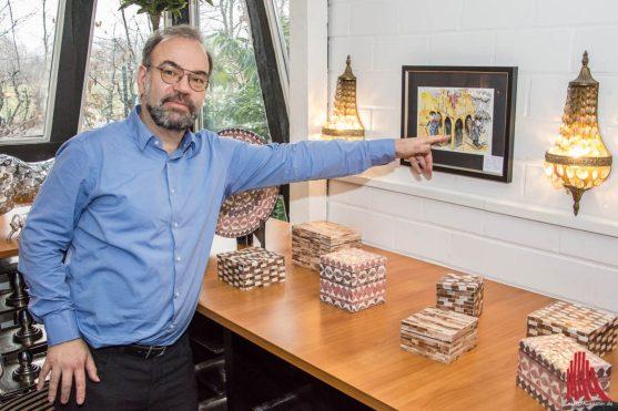 """Auch das Titelbild für sein Buch """"Jovle Zeiten.... Schofle Zeiten"""" ist im Kusthaus Angelmodde zu sehen. (Foto: Thomas Hölscher)"""