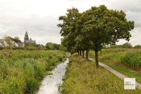 Das Münsterland bei Hiddingsel mit der Pfarrkirche St. Georg und dem Kleuterbach (Foto: Bührke)