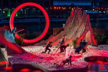 Darko Petrovic gestaltete die schwimmende Bühne - und die Kostüme (Foto: Thomas Hölscher)