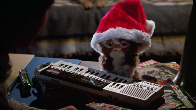 Gremlins %E2%80%93 1984 - TOP 10 BEST CHRISTMAS MOVIES OF ALL TIMES