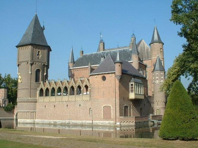 Kasteel Heeswijk - TOP 10 MOST BEAUTIFUL CASTLES IN THE NETHERLANDS